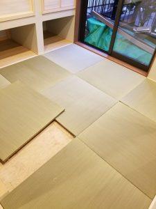 琉球畳設置中