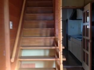 リノベーションだったので、階段の位置を少し変更