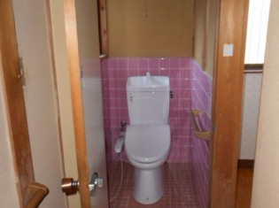リノベーションでしたので、使いやすいようトイレの場所を変更しました