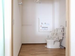 デーサービス トイレ入替後