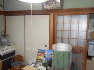 ガラス戸があった和室