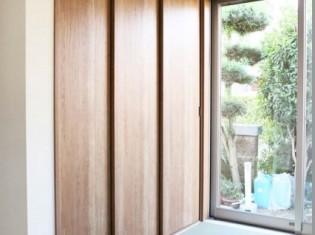 収納はパナソニックの木製建具を使用