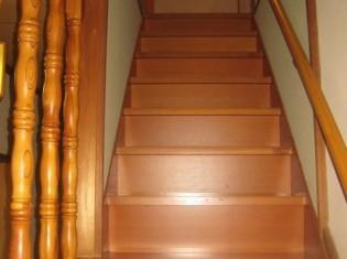 階段:リノベーション前
