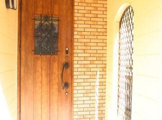 玄関の位置変更