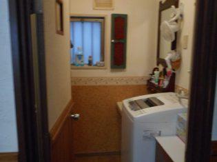 浴室・洗面・洗濯機ですので湿気がこもります