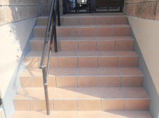 階段部分 タイル張替え後